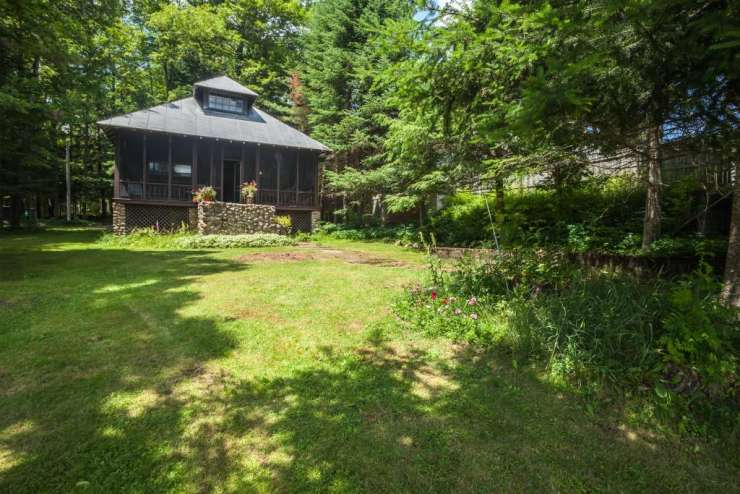 Classic Big Moose Lake Cottage xxx