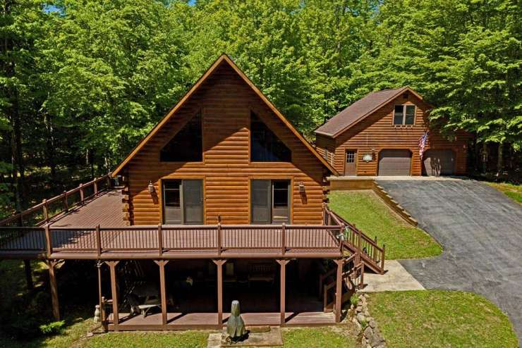 Stunning Log Home in the Adirondacks xxx